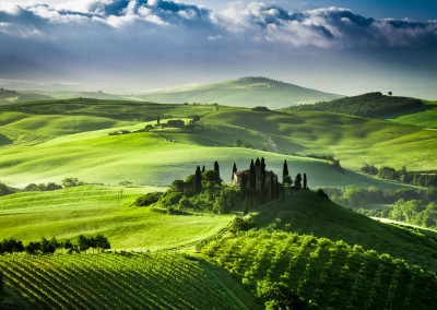 Tuscany - enchanting backdrop for romantic countryside weddings