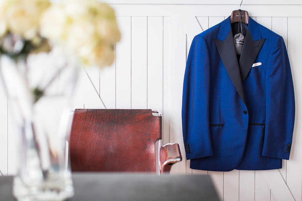 Trending: Blue jacket for the groom