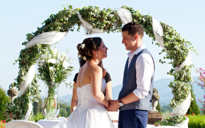 Getting Married in the Lucca Hills – Informal and Stately