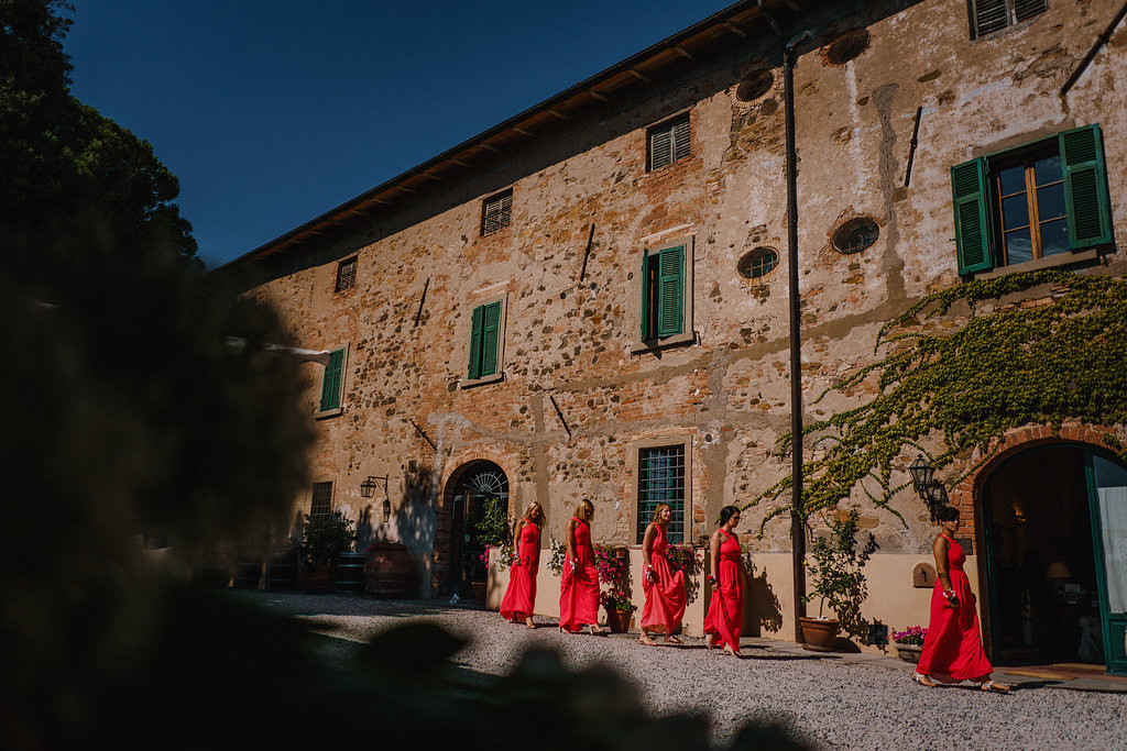 Bridemaids in Italy