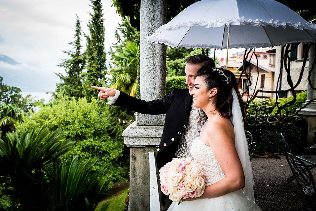 Bridal couple on Lake Como