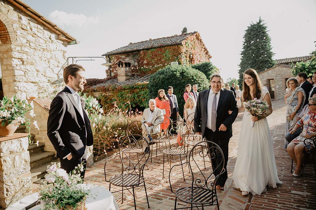 wedding ceremony in an Tuscan borgo