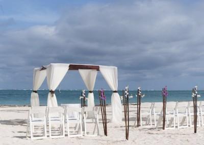 Elegant wedding setting on the beach