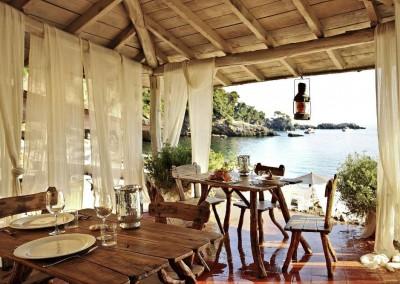 Lovely little restaurant at the seaside