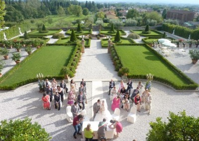 Civil wedding in Tuscan garden